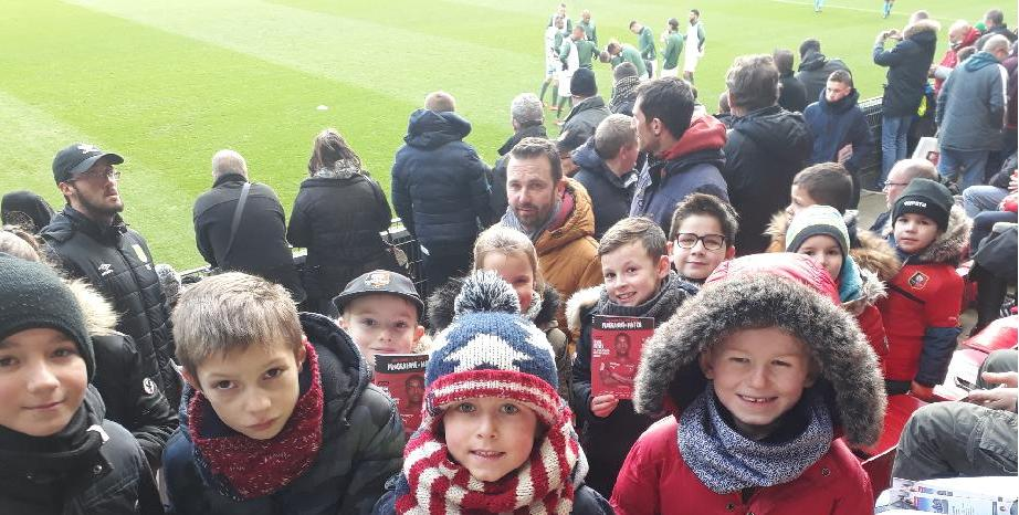10/02 : Les minots assistent au match Rennes / Saint-Etienne.